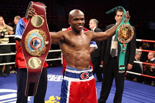 http://www.pound4pound.com/Photos/TomCasino/2009/Bradley_vs_Holt_IMG_3000.jpg